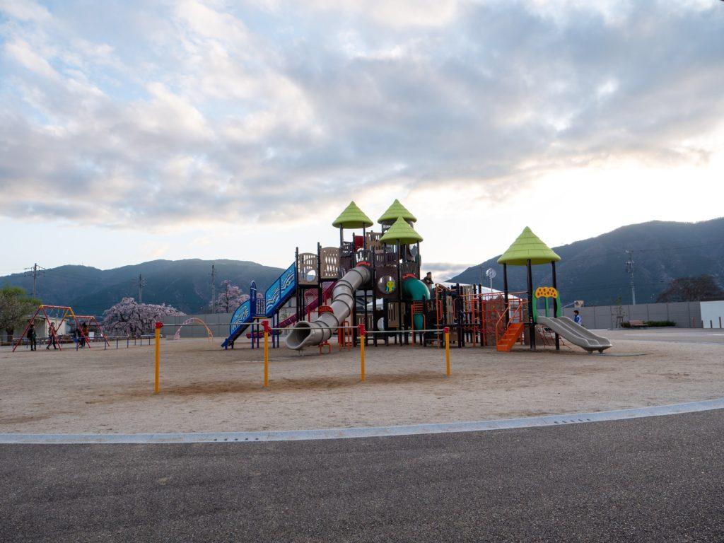 揖斐川町の公園いびがわゆめパーク To・Le・Mo(トゥールモ)遊具